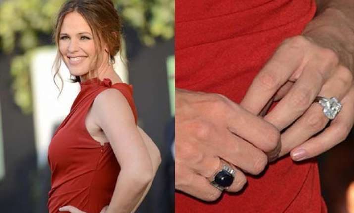 Jennifer Garner S Wedlock Breaks Ring Stays