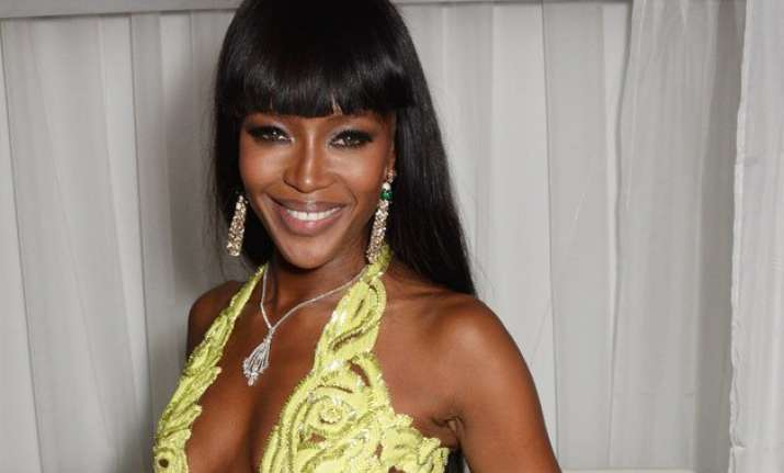 naomi campbell gets six months suspended sentence
