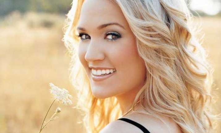 carrie underwood announces new album storyteller