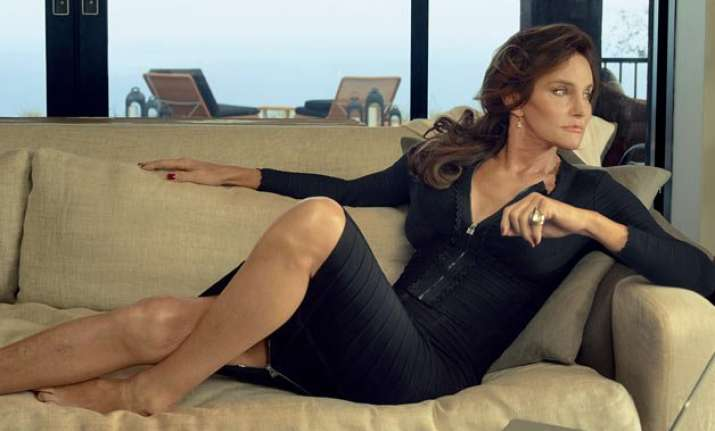 caitlyn jenner spotted partying at gay bar