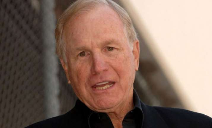 m.a.s.h. actor wayne rogers dead at 82