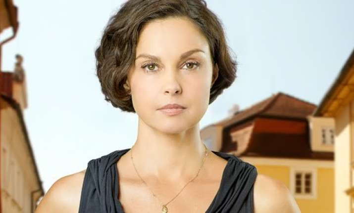 was sexually harassed by hollywood executive ashley judd