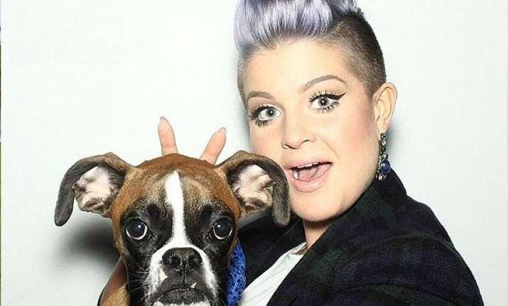 kelly osbourne wants to adopt joan rivers dogs