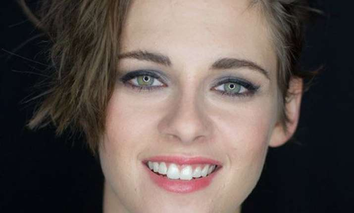 feels strong kristen stewart has learned to give herself to
