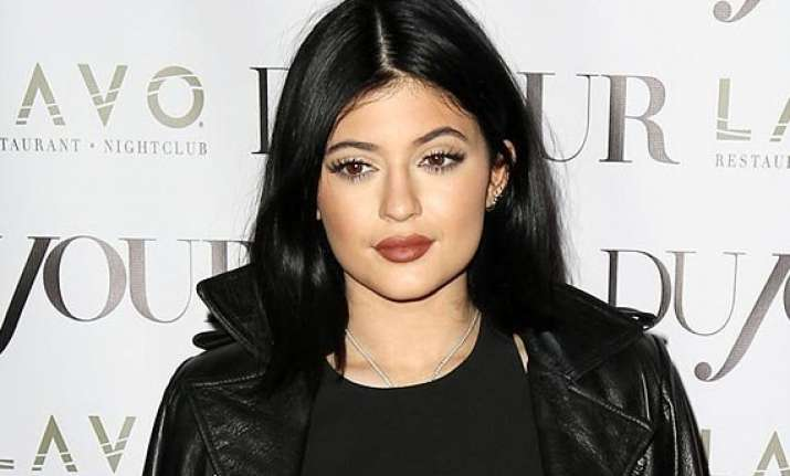 kylie jenner shares sad post sparks concern