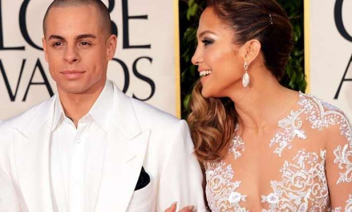 jlo spotted lip locking with casper smart