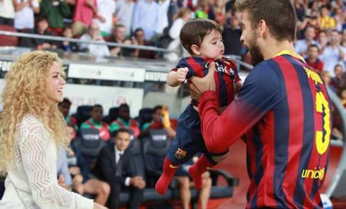 shakira gerard pique a hands on dad