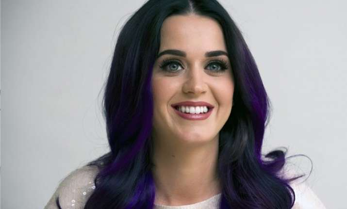 katy perry s fans to star with her in commercial