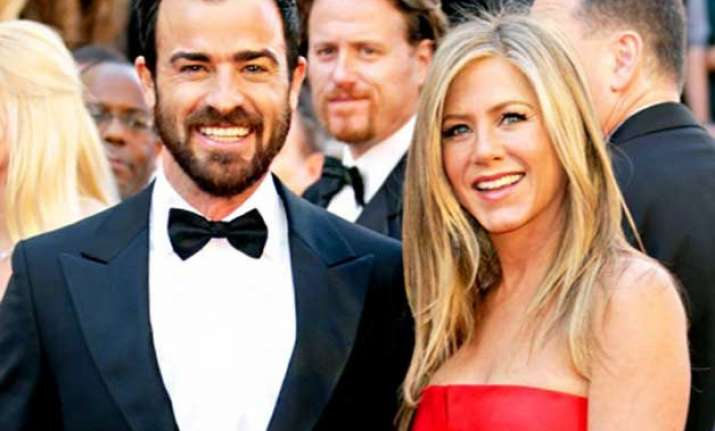 finally jennifer aniston ties knot with justin theroux