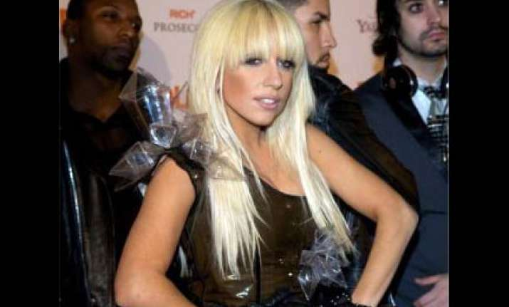 lady gaga becomes first musician to attract over 1 billion