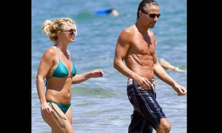 britney frolics in hawaii with boyfriend jason