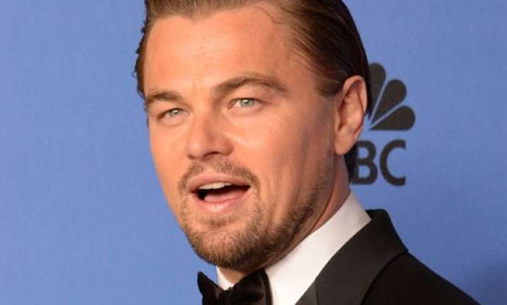 dicaprio walks out of steve jobs biopic
