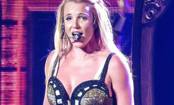britney spears ok after stage mishap