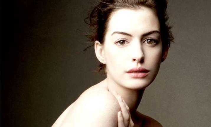 anne hathaway plans road trip to memorise lines