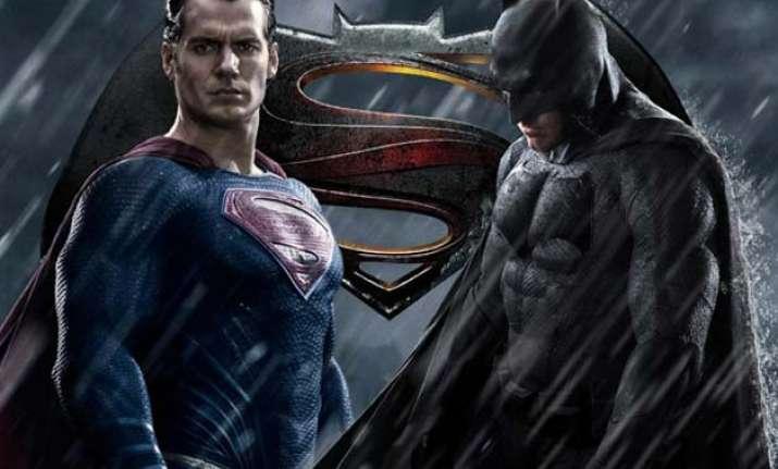henry cavill denies move to split batman v superman