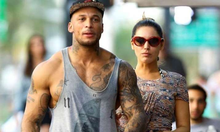 kelly brook david mcintosh on house hunt
