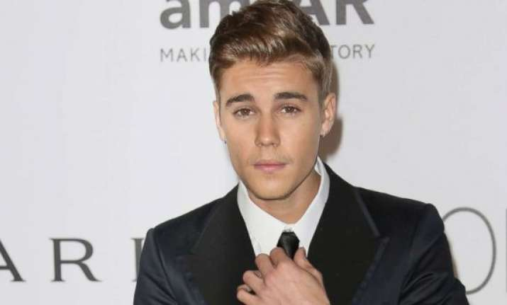 justin bieber shares a nude photograph for his fans