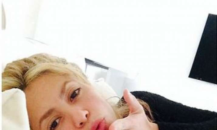 pregnant shakira thanks fans best wishes