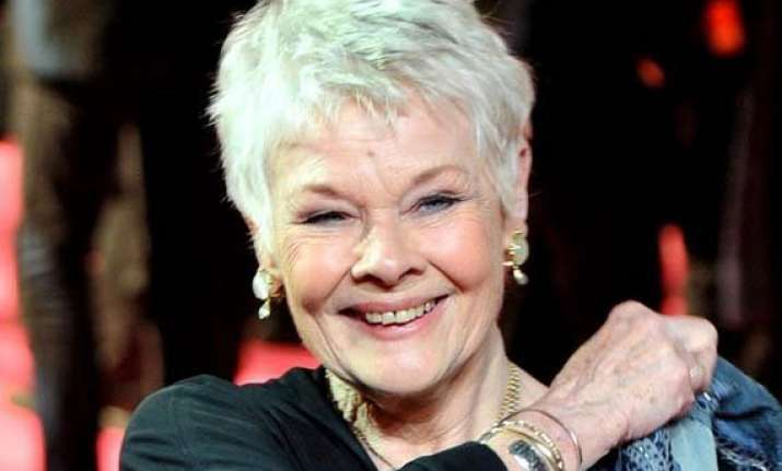 weak eyesight helped judi dench overcome stage fear