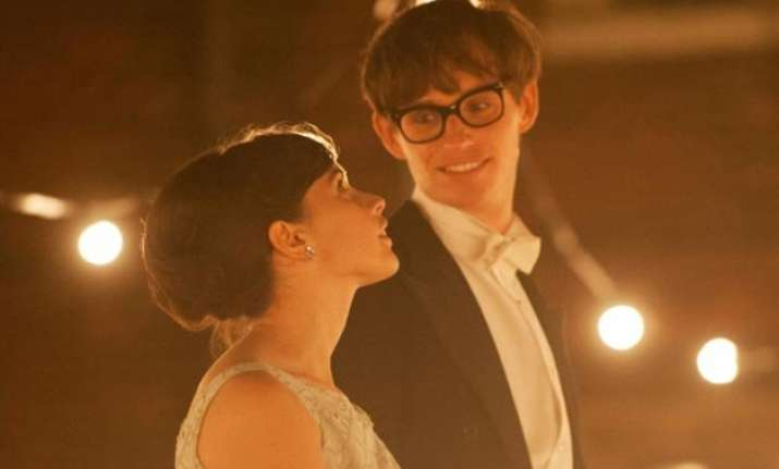 the theory of everything movie review redmayne delivers a