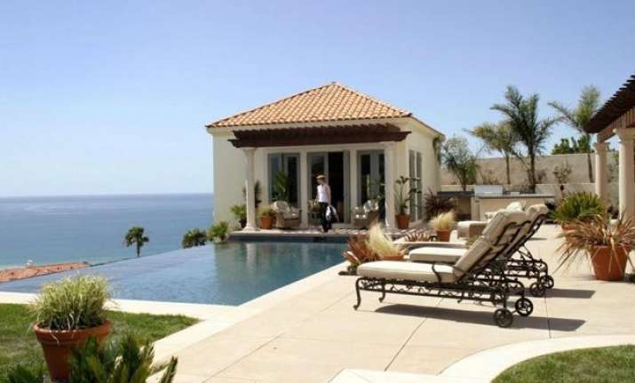 house used in american tv series the o.c. is up for sale