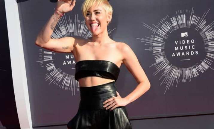 miley cyrus selling family estate