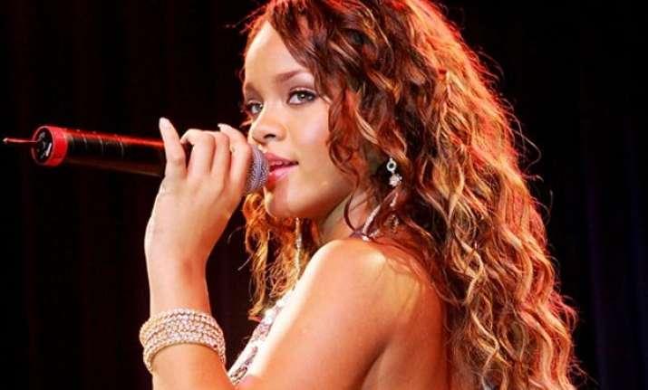 singer rihanna named first artist to surpass 100mn song