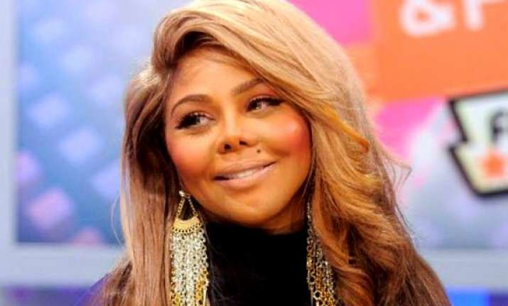 legal trouble looms over lil kim