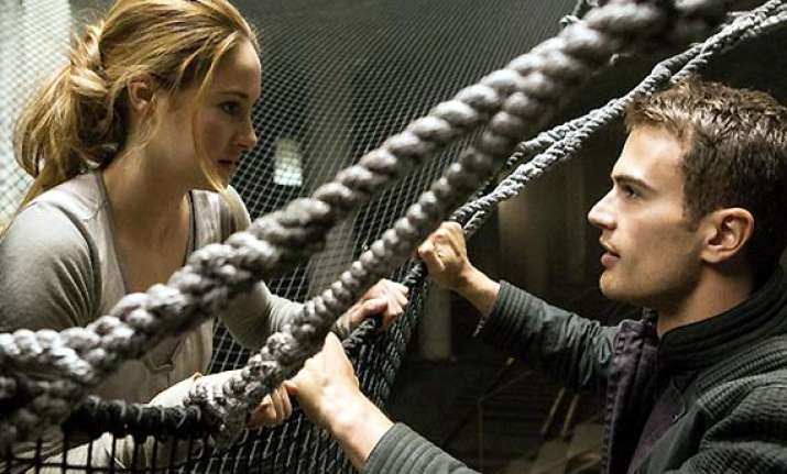 insurgent trailer to debut with hunger games mockingjay