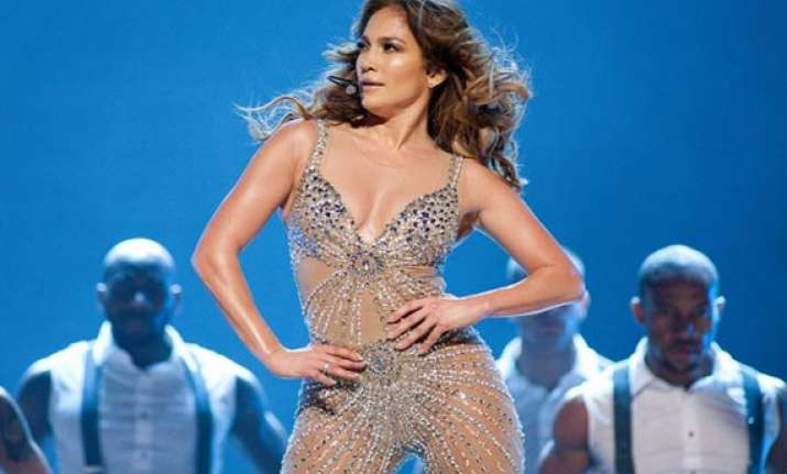 jlo to perform on britain s got talent