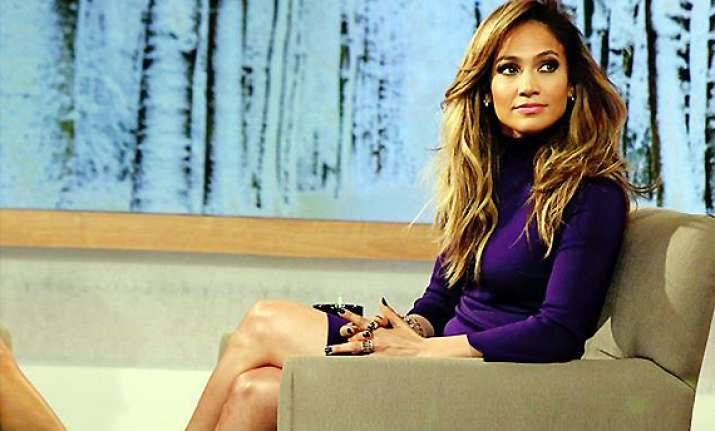 jlo turns cougar for the boy next door