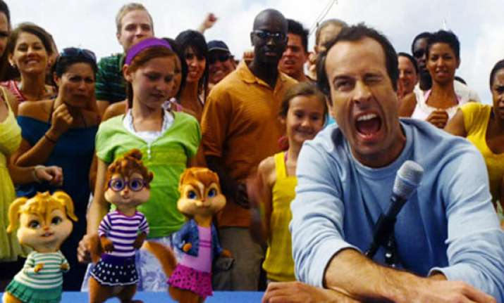 jason lee says chipwrecked is not just for kids