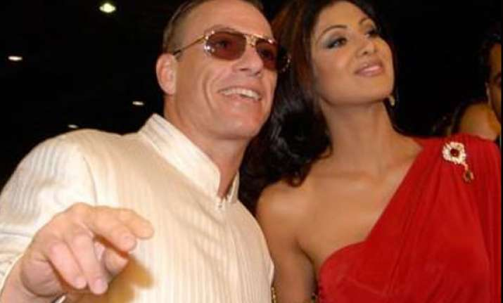 jean claude van damme looking for indian faces at iifa