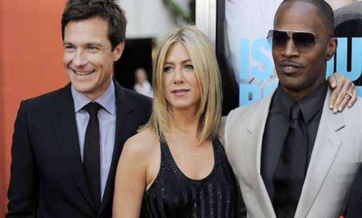 jennifer aniston attends horrible bosses premiere