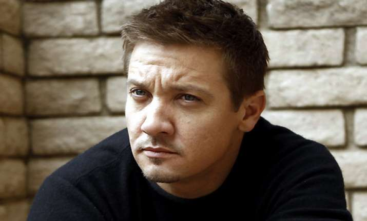 jeremy renner sells home for 17 mn profit