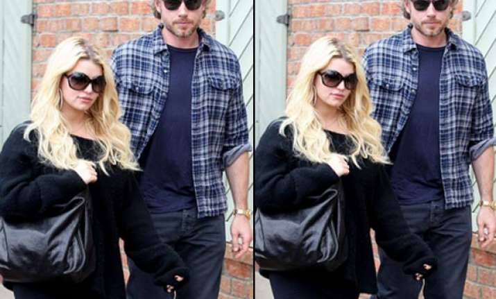 jessica simpson to marry eric johnson