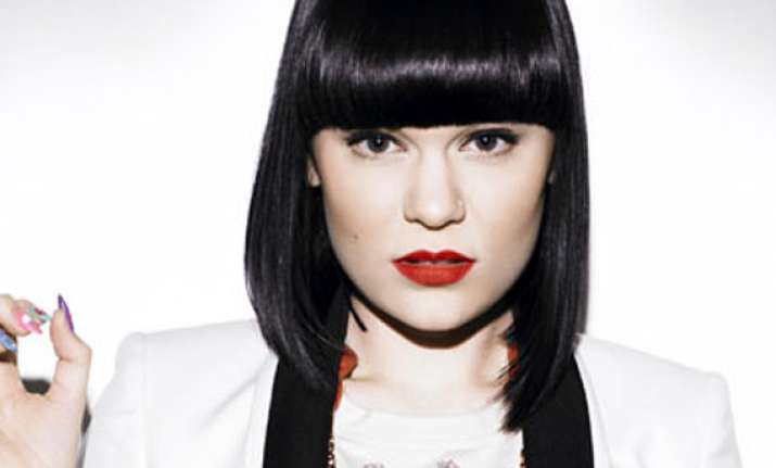jessie j upset by young fan s death