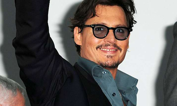 johnny depp opens up about vision problem