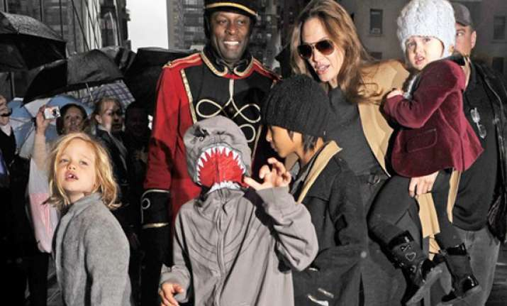 jolie loves to travel with kids