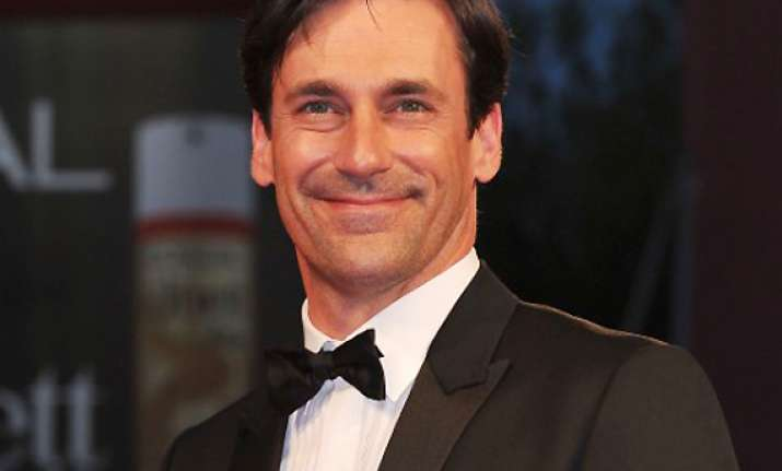 despicable me 2 and frozen makes jon hamm emotional