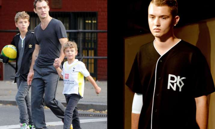 jude law s son makes catwalk debut