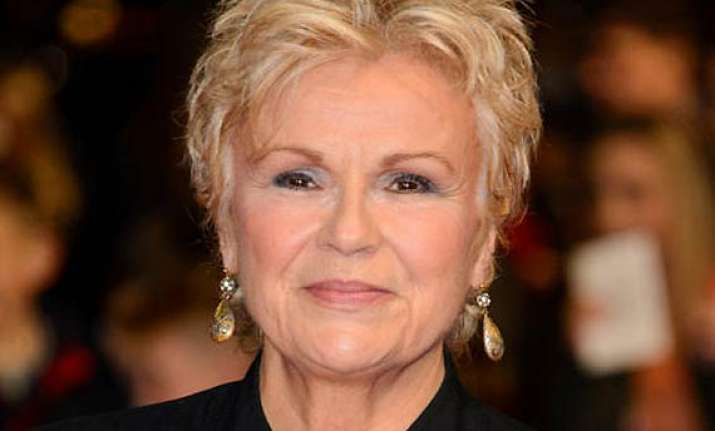 julie walters to receive bafta fellowship