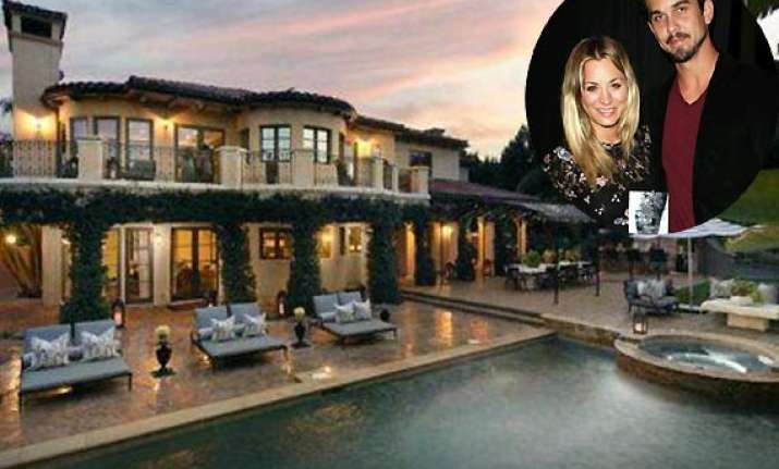 kaley cuoco asks feng shui expert to clear khloe s old
