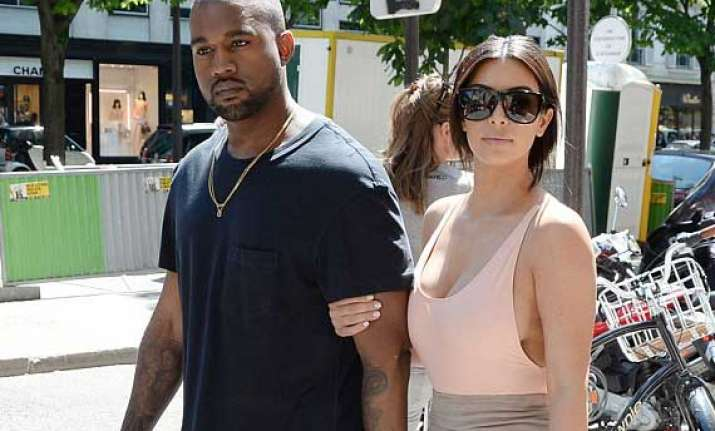 kanye west messes up with his wedding guests