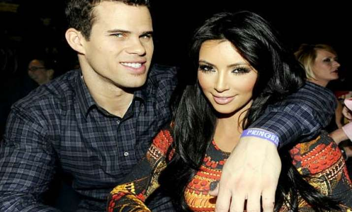 kardashian humphries to wed in evening ceremony