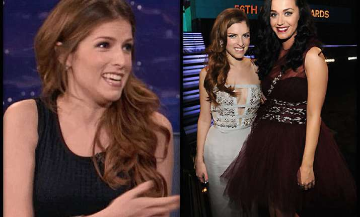 Katy Perry Groped Anna Kendrick S Breast At Grammys See Pics