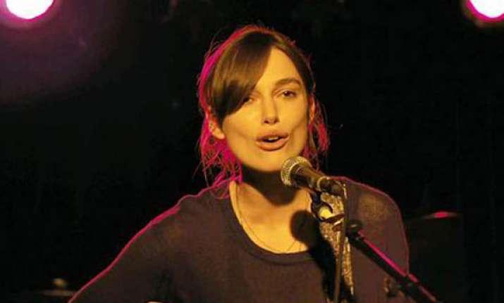 keira knightley s singing skill left co stars surprised