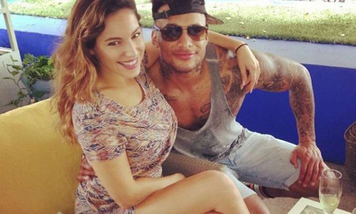 is kelly brook married