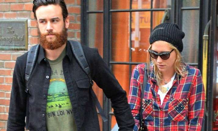 kesha finds her boyfriend really sweet