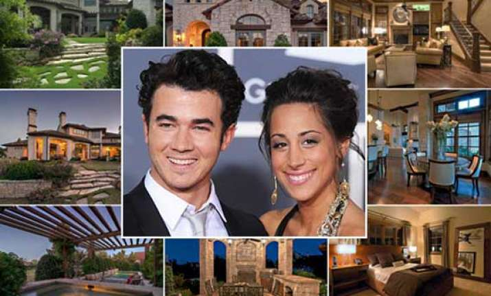 kevin jonas puts his home on sale for 2.2 mn dollar